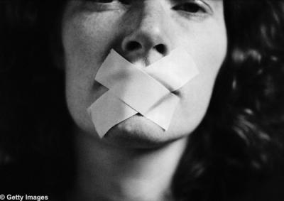 Uno no puede estar callado siempre: Apoyo a Cristina Peri Rossi